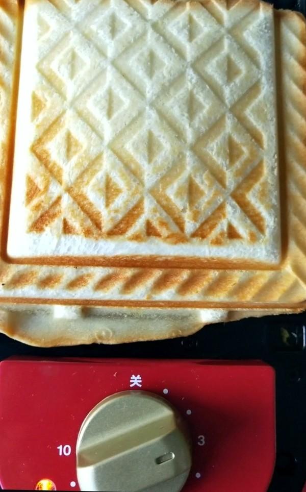 鸡蛋奶酪三明治怎么炒
