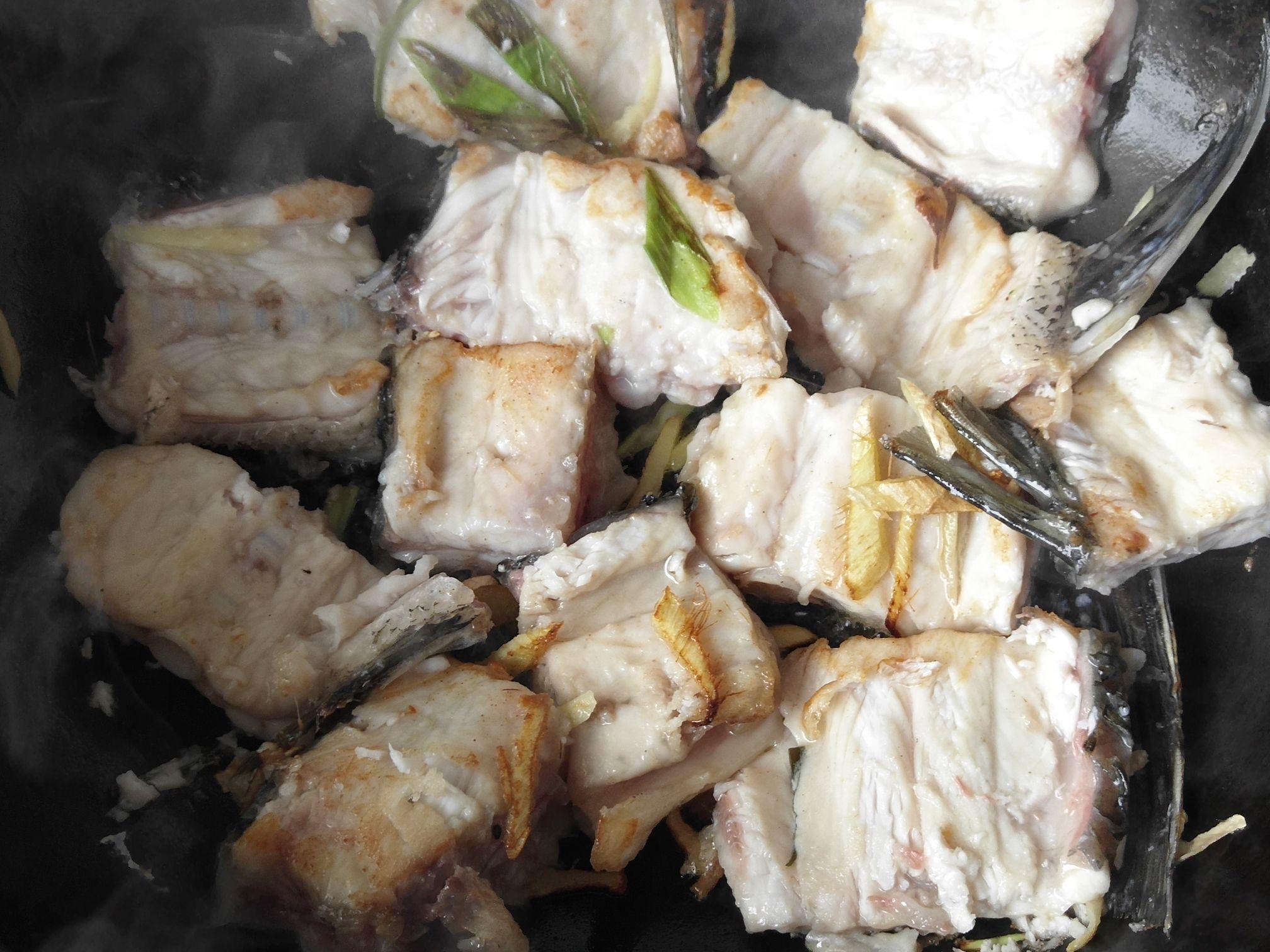 鱼骨汤面的简单做法