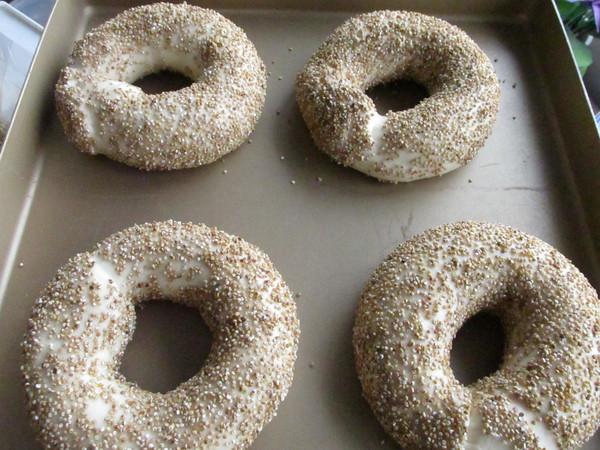 汤种藜麦面包圈的制作