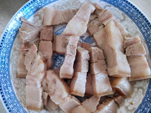 五花肉炒芦苇笋的步骤