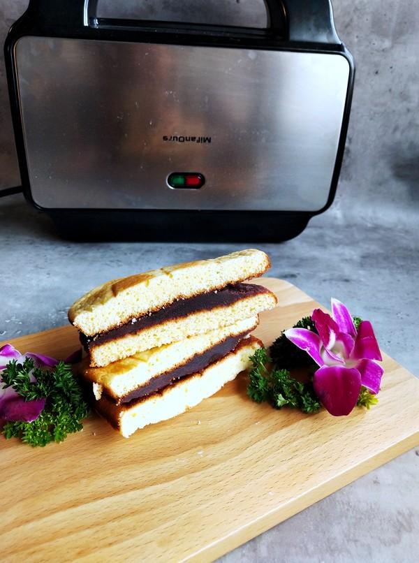 豆沙蛋糕三明治成品图