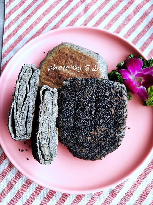 黑芝麻油酥烧饼成品图