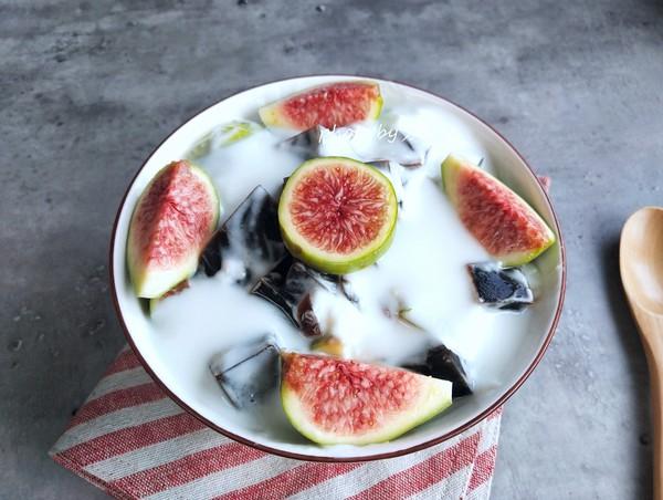 无花果酸奶烧仙草的步骤