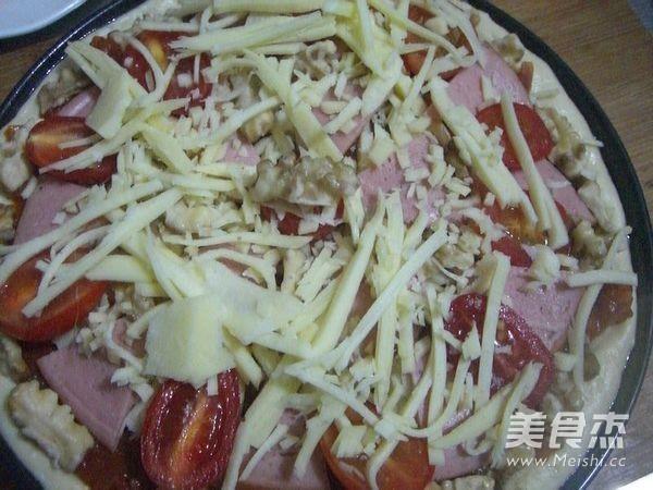 火腿核桃仁披萨怎样做
