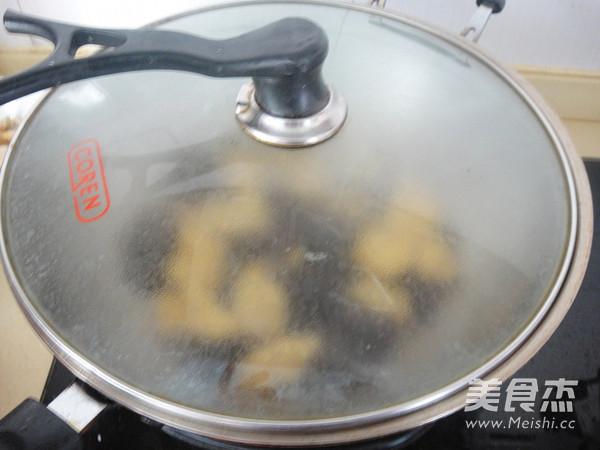 家常鸡柳豆腐怎么煸