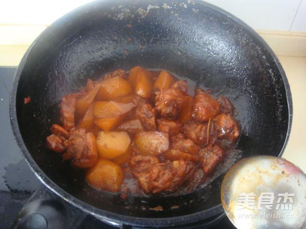 白萝卜烧鸡块怎样做