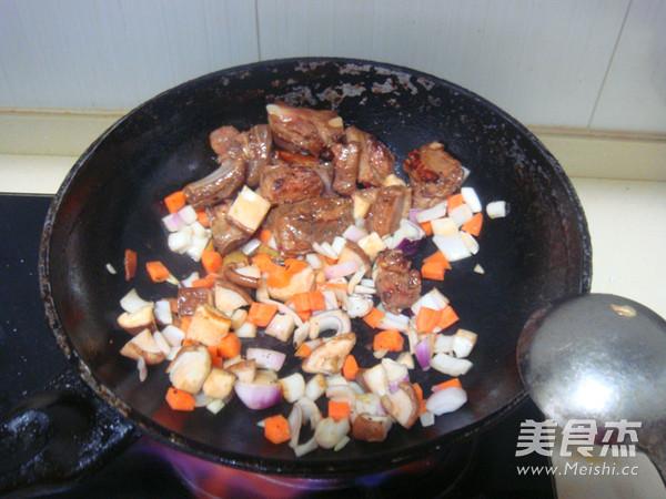排骨糯米焖饭怎么煮