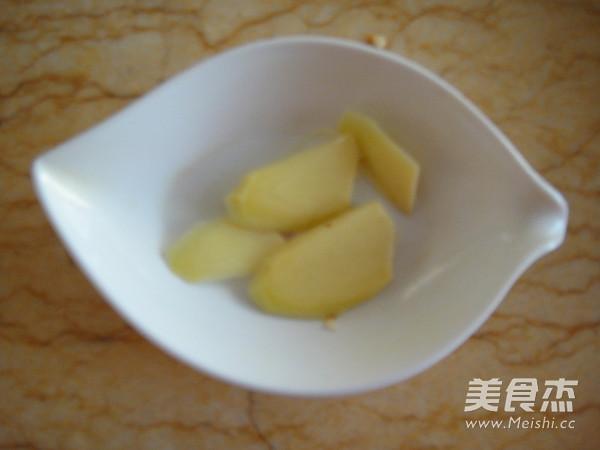 蹄髈萝卜汤的家常做法
