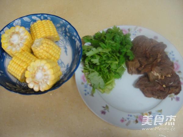 玉米牛肉汤的做法大全