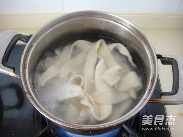 新疆大盘鸡的制作方法