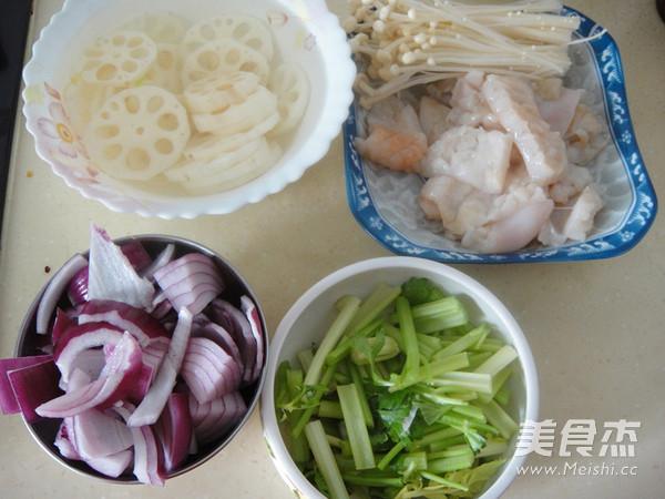 鱿鱼藕片麻辣香锅的做法图解