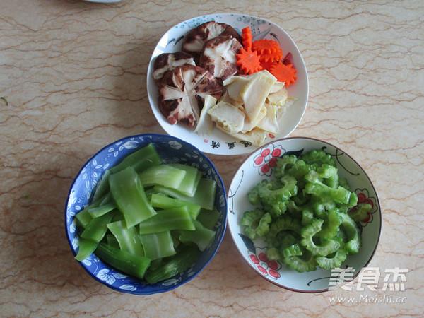 菌菇杂烩海鲜煲的做法大全
