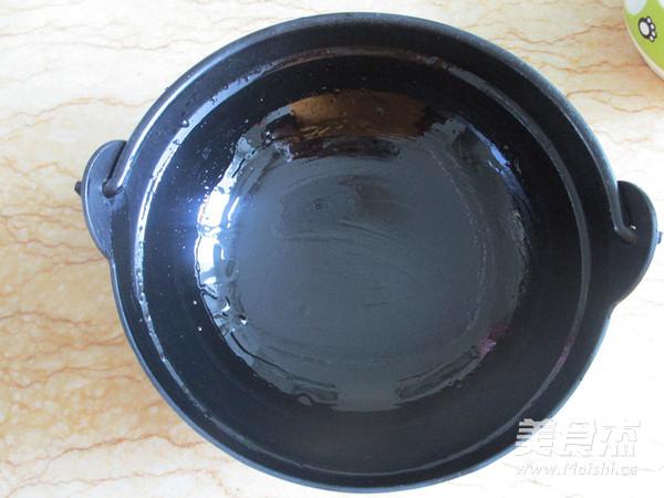 菌菇杂烩海鲜煲的简单做法