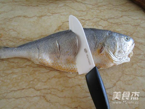 泡椒烧黄鱼的做法图解