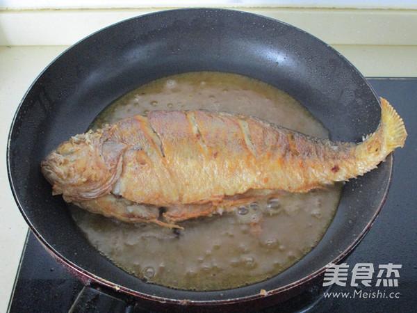 泡椒烧黄鱼的简单做法