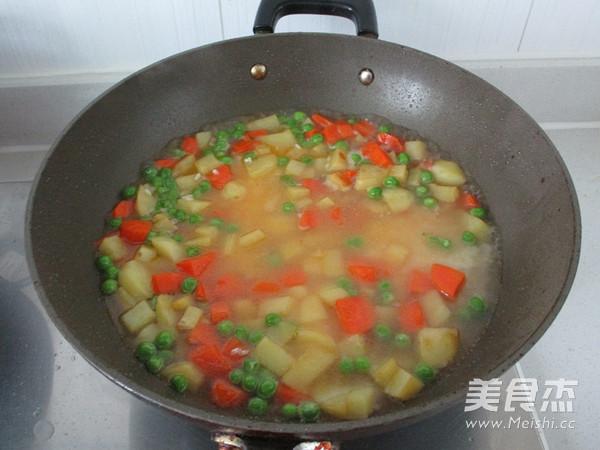 杂蔬排骨焖饭怎么做