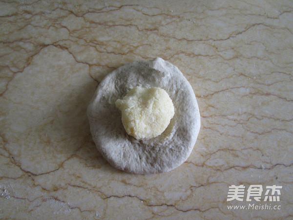 奶香椰蓉花式面包怎么炖