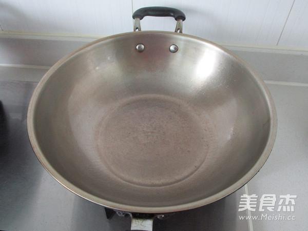 蒜子肉末茄子煲的家常做法
