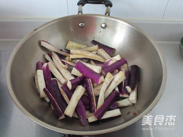 蒜子肉末茄子煲怎么炒