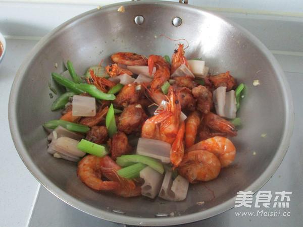 干锅鸡翅虾怎么炖