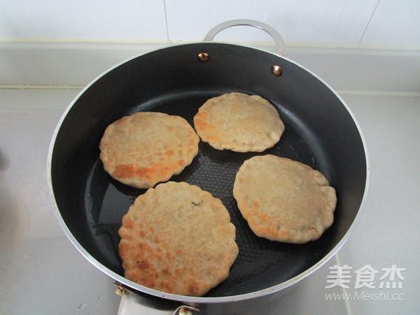 杂粮茴香鲜肉饼怎样做