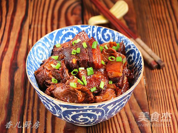 百叶结红烧肉成品图