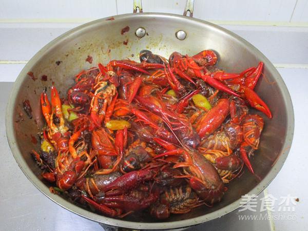 杨梅酒小龙虾怎么吃