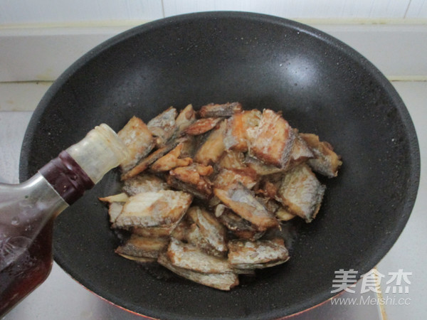 红烧带鱼怎么炖