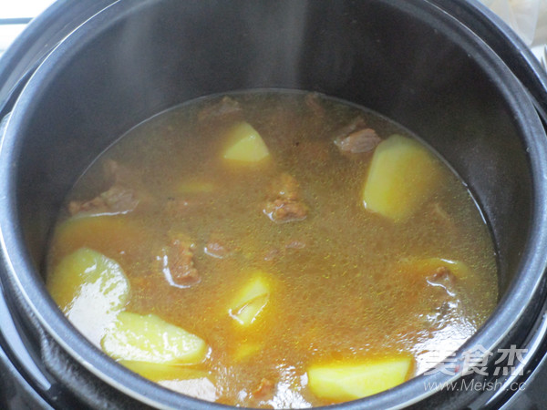咖喱牛肉土豆汤怎么炖