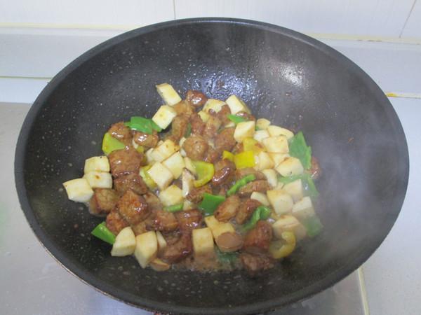 黑椒杏鲍菇牛肉粒怎么炒