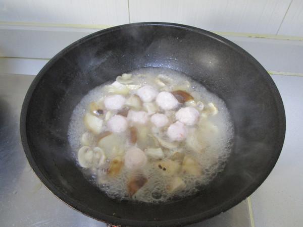 虾丸烩菌菇怎么做