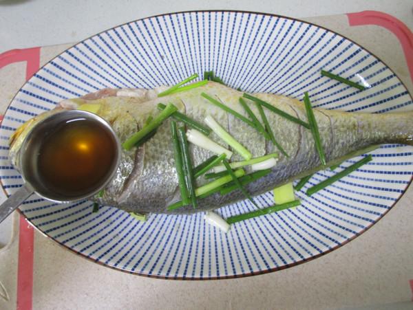 清蒸大黄鱼的家常做法