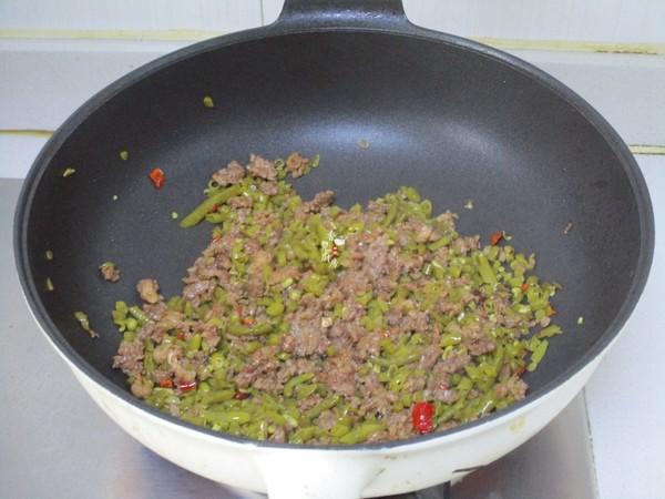 酸豆角炒肉末怎么吃