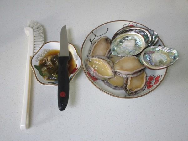 金针菇蒸鲍鱼的家常做法