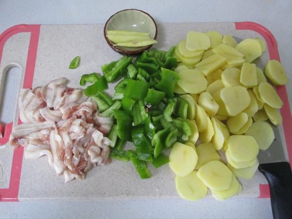 五花肉青椒土豆片的做法图解