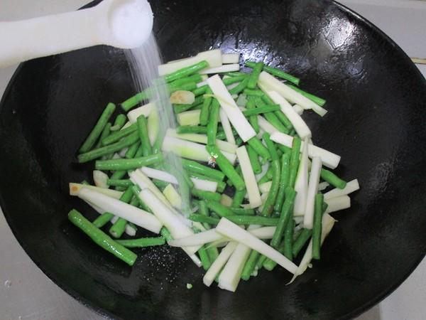 豇豆炒茭白的简单做法