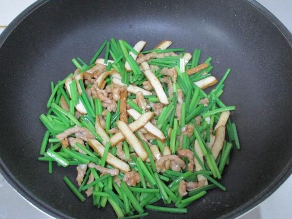 韭菜苔豆干炒肉丝怎么做