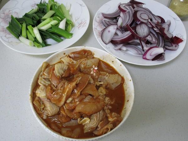 洋葱炒鸡肉的家常做法