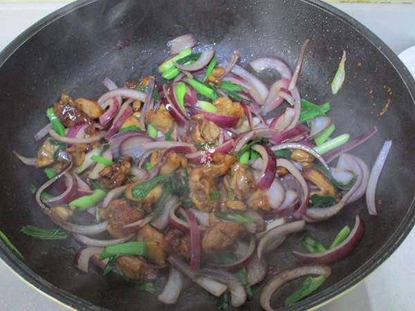 洋葱炒鸡肉怎么炒