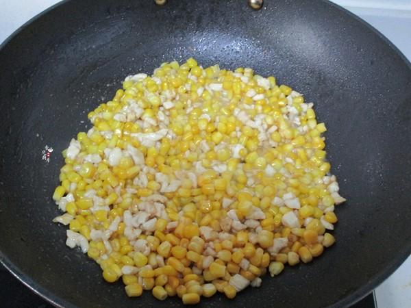 松仁鸡肉炒玉米怎么做