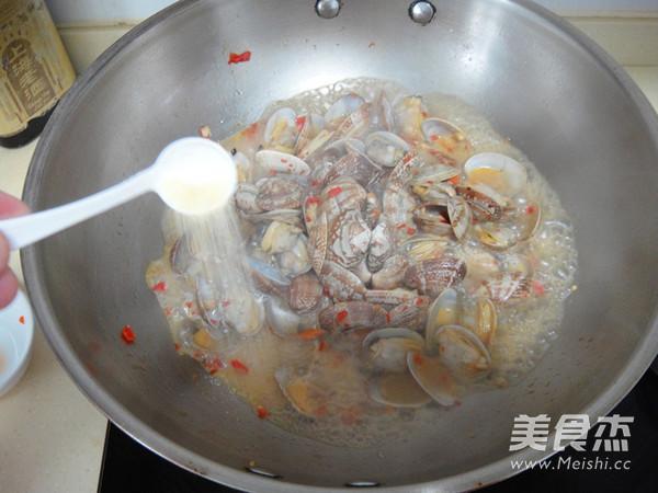 剁椒炒蛤蜊怎么做