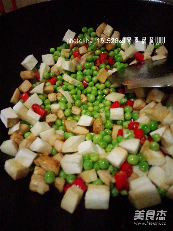 时蔬炒肉丁怎么煮