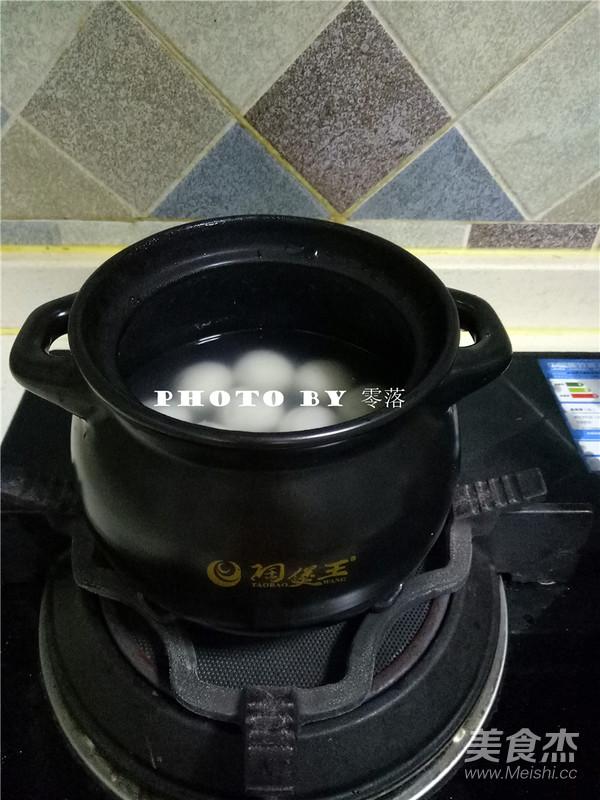 枣泥酒酿汤圆怎么吃