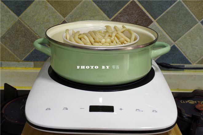 凉拌海鲜菇的步骤