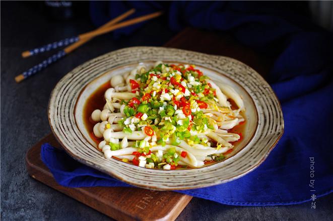凉拌海鲜菇成品图