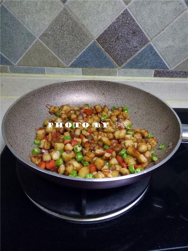 香辣干锅土豆怎么煮