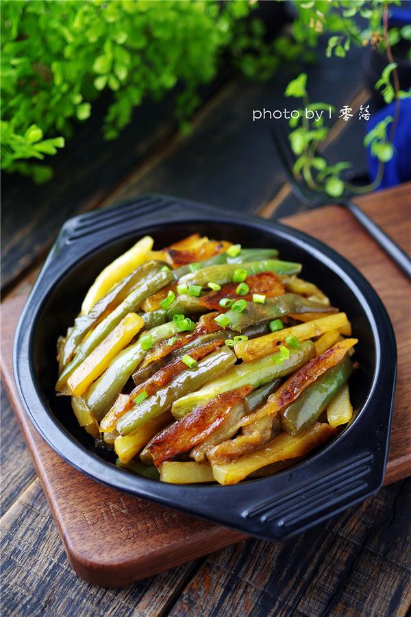 土豆焖茄子成品图