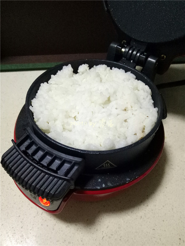 米饭肉饼汉堡的简单做法
