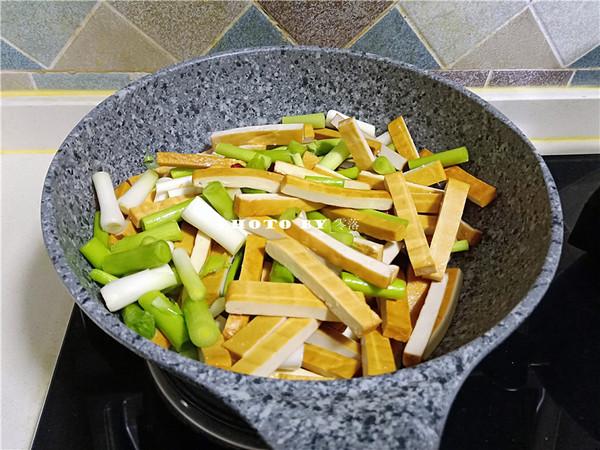 蒜苗豆腐干怎么吃