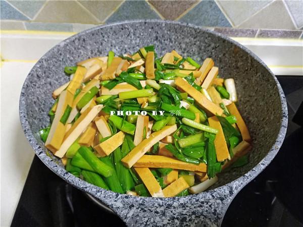 蒜苗豆腐干怎么煮